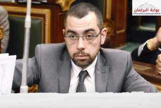 """محمد فؤاد"""" يسأل الحكومة عن خطتها لاستبدال التوكتوك بالفان"""