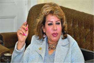 """برلمانية تطالب المؤسسات بتوفير الكمامات مجانا لمنع تداول """"الدوارة"""""""