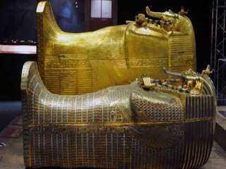 تجهيز 22 سيارة لنقل مومياوات 22 ملك و ملكة فرعونية (فيديو)