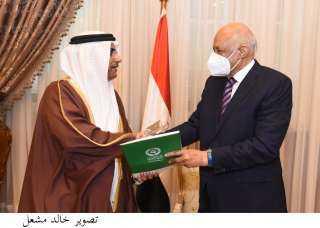 وسط حفاوة كبيرة.. رئيس مجلس النواب يستقبل رئيس البرلمان العربي