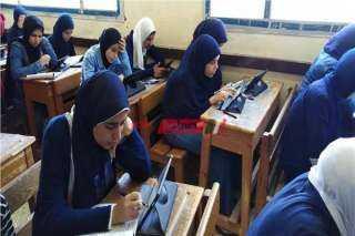 """586 ألف و837 طالب يحضرون اختبار مادتي """"الفيزياء والتاريخ"""" إلكترونيًا"""