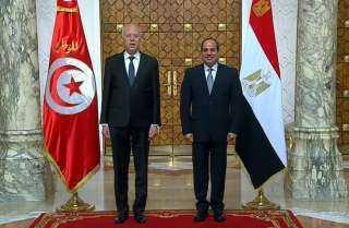 صورة تذكارية للرئيس السيسي ونظيره التونسي عقب مراسم الاستقبال