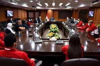 وزير الرياضة يستقبل منتخب الكاراتيه بعد إنجازات البريميرليج بالبرتغال