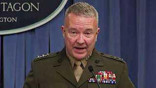 قائد القيادة المركزية الأمريكية: نحرص على دعم الشراكة الاستراتيجية والتعاون العسكري مع مصر