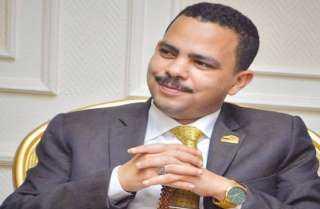 «زعيم الأغلبية» ينعي جيهان السادات : رمز وطني مخلص ونموذجًا لمعدن المرأة المصرية الأصيلة